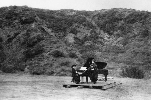 First known musical event at the current site of the Hollywood Bowl, Los Angeles